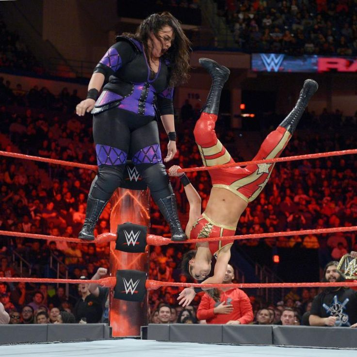 "WWE Raw Women's Champion Charlotte Flair forces ""weak link"" Bayley to face Nia Jax"