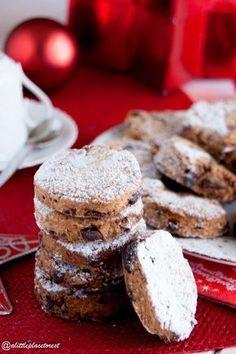 Biscotti con farina di castagne e cioccolato (senza uova) a little place to rest