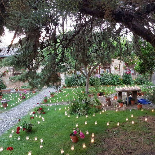 """El Instagram de @ilvingsaiz: """"Concierto de las velas, Pedraza,Segovia.👦 #conciertodelasvelas #Pedraza #Segovia #castillayleon #España #spain #Europa #europe #viajar #travel #summer #vacaciones #sol"""" #AmbientairIluminaPedraza #conciertosdelasvelas"""
