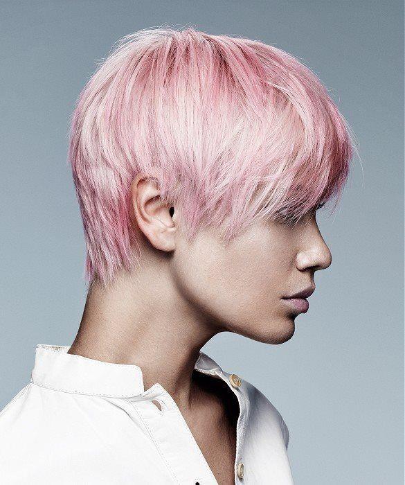 Taglio capelli corti donna inverno 2016 rosa