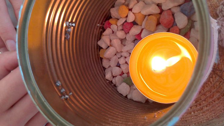 Citronella candles in tins