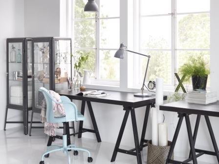 Stilen er inspireret af klassisk, industrielt design. Få lidt retro-stil i dit arbejdsområde med den nye ROBERGET stol fra IKEA.
