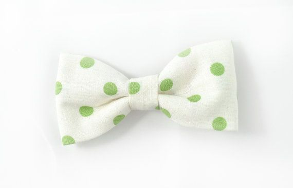 fresh green dots bowtie  Baby toddler boys tie Wedding by nicebuzz, €18.00