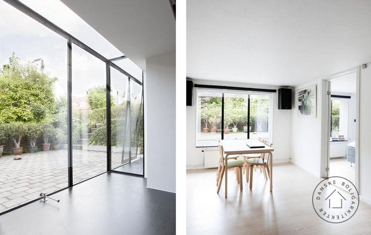 Kælderen blev husets lyseste rum. En arkitekttegnet glaskarnap har forvandlet den mørke kælder i 1950'er-bungalowen til et lysmekka af dimensioner. Se den store forvandling her.