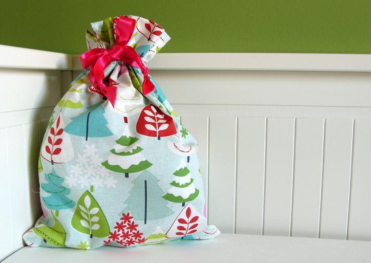 """Sac de Noël """"Sapin"""" - Pochon à lingerie : Textiles et tapis par friggstudio"""