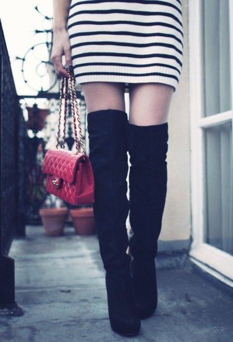 knee high bootsThighs High Boots, Fashion, Chanel Bags, Style, Tall Boots, Sweaters Dresses, Knee High Boots, Black Boots, Knee Boots