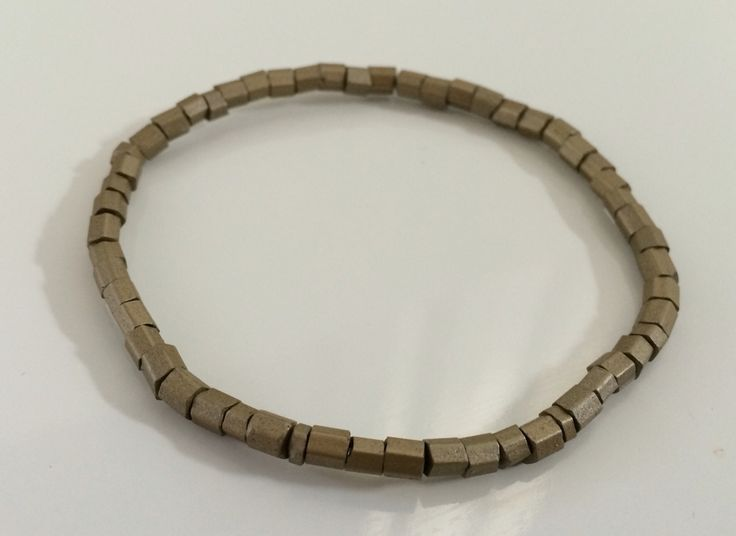 NEW | Army Green collectie | mat goud trendy armband | bestel deze of kom hem ophalen voor € 4,00 per stuk #marblesmusthaves #handmade #sieraden #armbanden #armcandy #matgoud #newcollectie #loveit