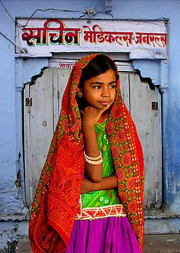 .Little Girls, Ahir Girls, Girls Generation, Colors Kutch, Deep Thoughts, Beautiful, Indian Girls, Bright Colours, Young Girls