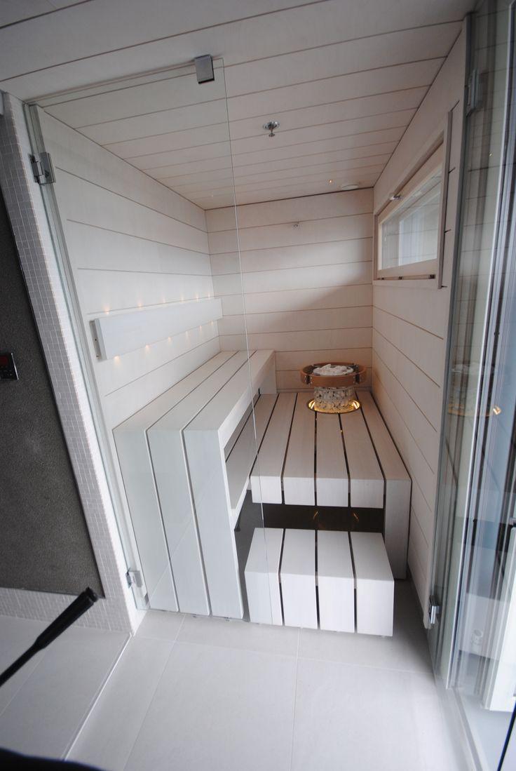 40x160mm tervaleppää käsiteltynä valkoinen saunasuoja. Panelit Taikapaneli 12x180mm,Avattava lasiseinä helpottaa lauteiden ja lasiseinän pesua.