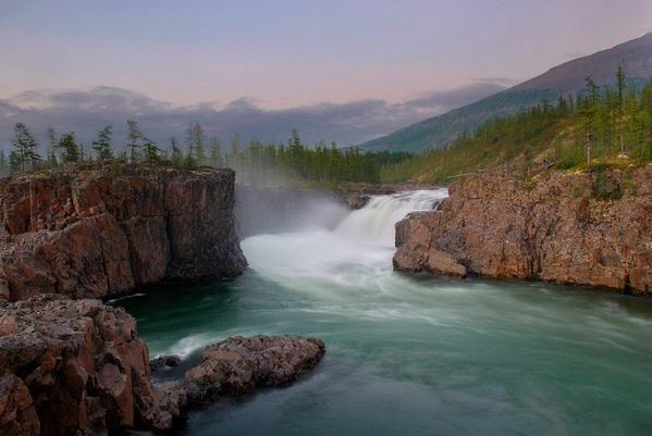 Россия, Плато Путорана - горный массив на северо-западе Среднесибирского плоскогорья.
