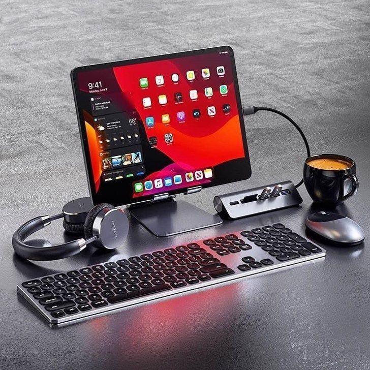 Nerd Tech World For More Desksetup Programmer Apple Desktop Ipad Desk Computer Desk Setup