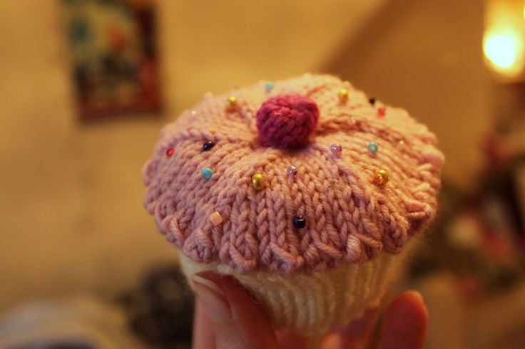 KnittingPony: Knitted Cupcake