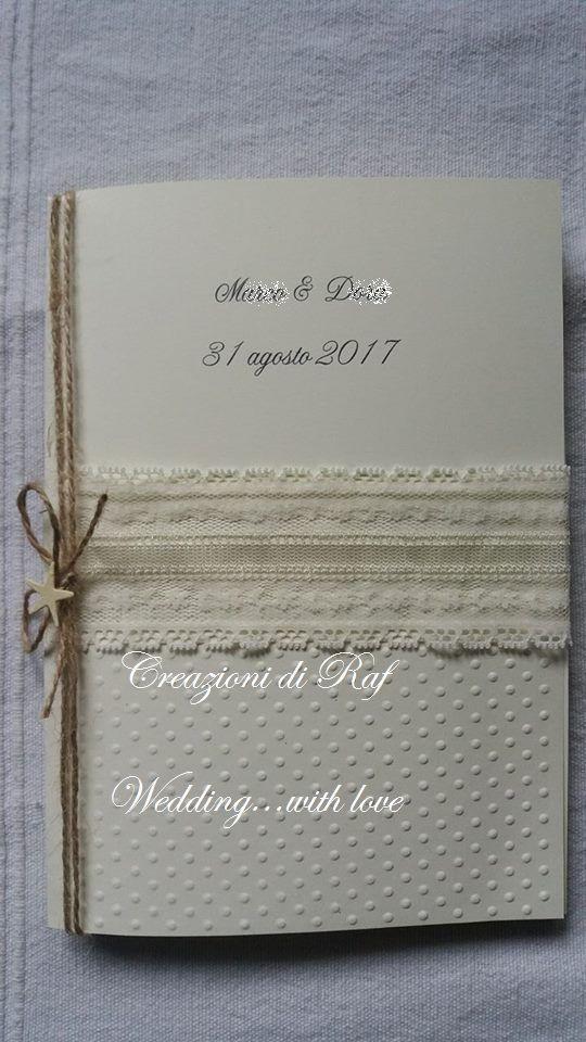 Libretto matrimonio a tema mare, parzialmente lavorato a pois, con applicazione di striscia in pizzo, spago e stella marina