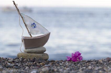 Salida a la mar para entrega legal de cenizas - Cenizas en el mar