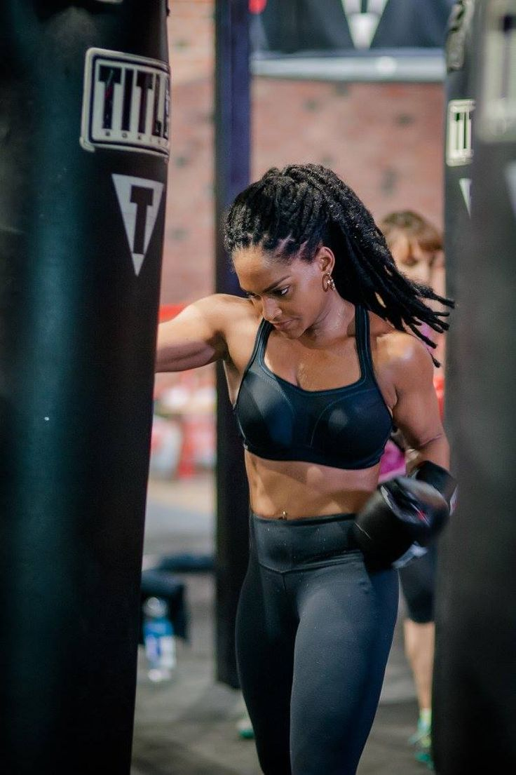 The Chantelle #SportsBra is put to the test with a high intensity class at TITLE Boxing Club NYC. #WorkoutWithChantelle