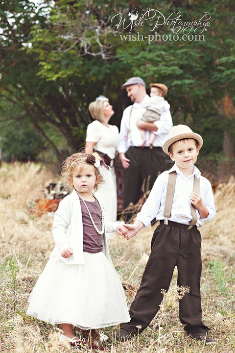 Wish Photography: A little peek at a Vintage Family Shoot.