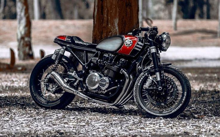 1978 Kawasaki KZ650 Cafe Racer by Ruffo Black Customs #motorcycles #caferacer #motos | caferacerpasion.com