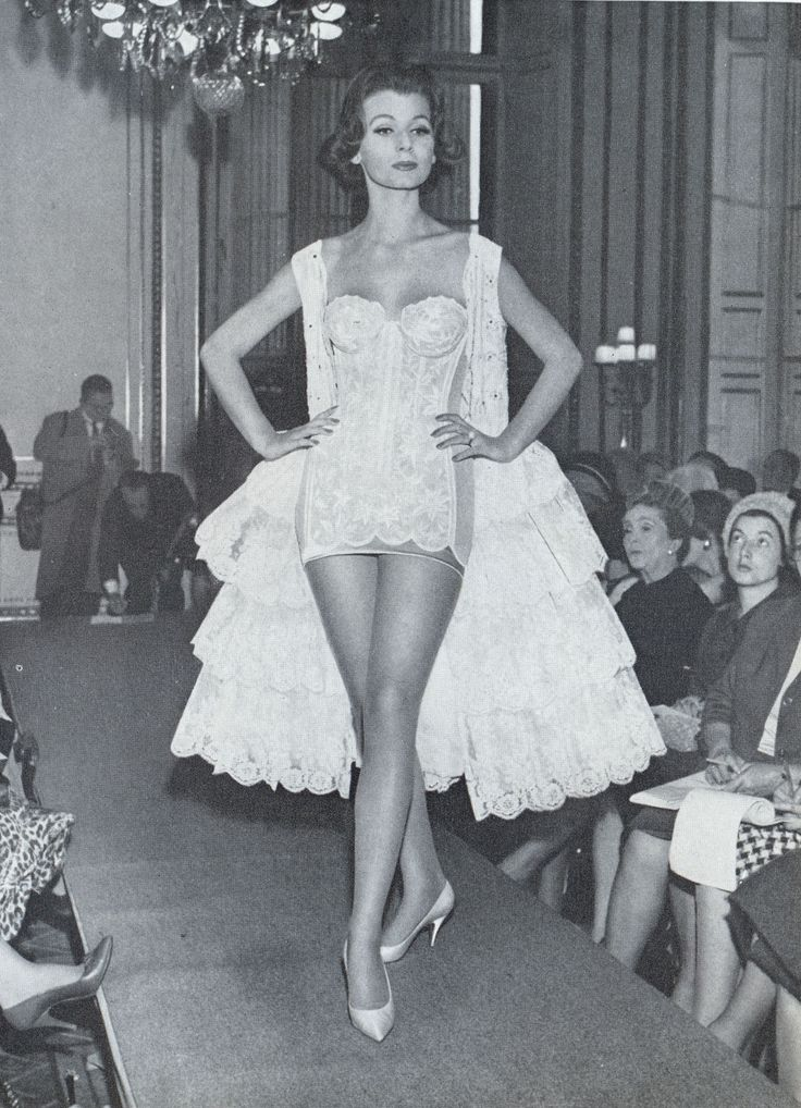 Owning the catwalk in our fabulous shapewear #triumph #TBT