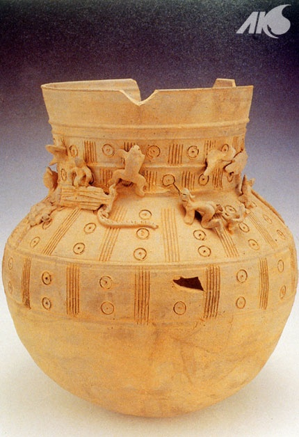 [Antiquity-Three Kingdoms Period(Silla)] Tou jangsik janggyeongho (earthen vessel adorned with clay figurines)