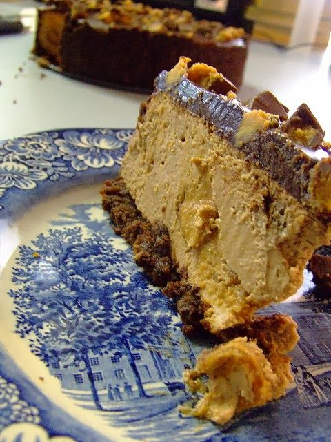 Delicious Food | REESE'S Peanut Butter Cheesecake Recipe ... for Memorial Day #holiday recipe #party #birthday