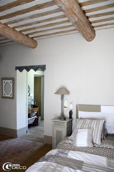 Chambre avec plafond provençal