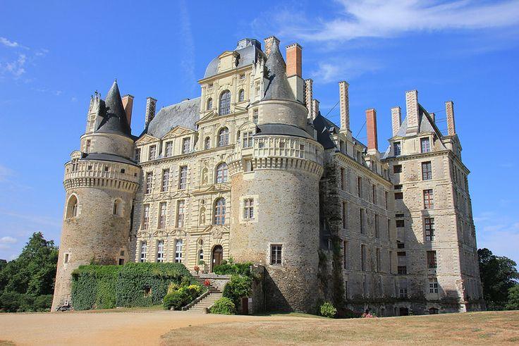 #Château de #Brissac, Brissac-Quincé, France | by Instant-Shots