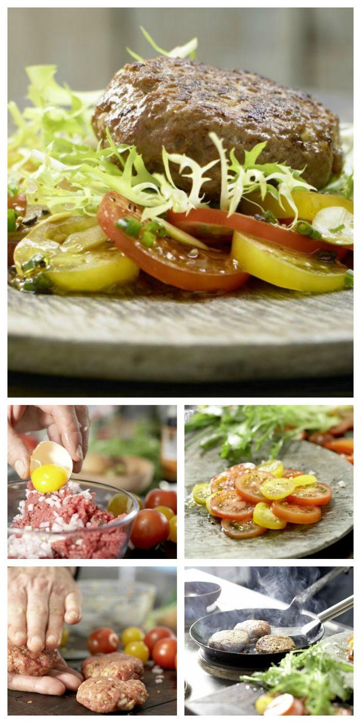 Schalotte mit Tatar, Eigelb, Senf, Ketchup, Salz und Pfeffer mischen. Worcestersauce dazugeben und ran an die Pfanne: Tatar-Frikadellen mit Tomaten-Oliven-Salat   http://eatsmarter.de/rezepte/tatar-frikadellen