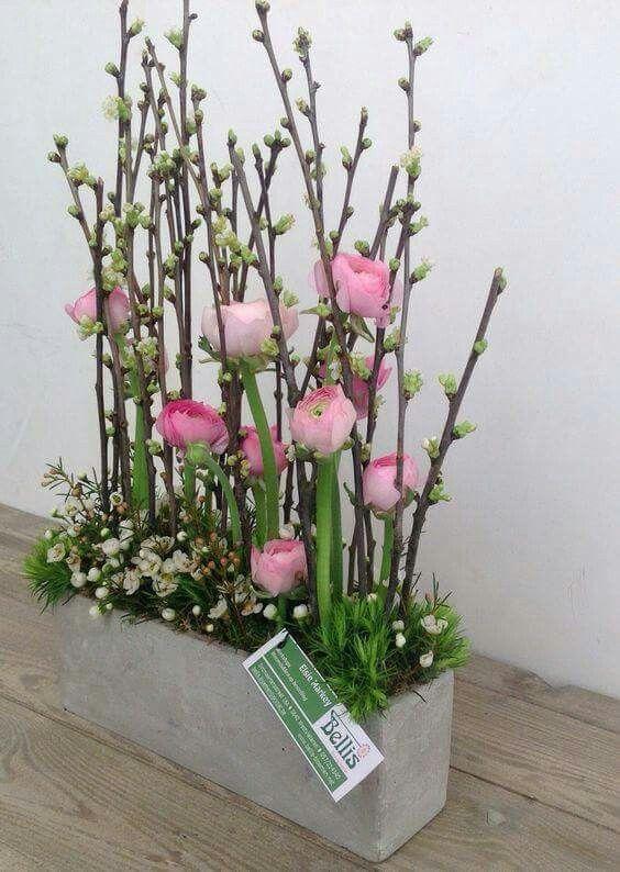 Een mooie rustige combinatie van diverse bloemen en groen