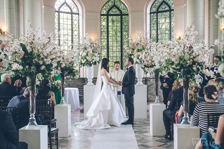 Wedluxe A Green Soft Pink Castle Wedding Photography By Mimmo Co Follow For More Inspiration Ceremony Pinterest