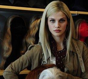 """""""Heute bin ich blond"""" - Kino-Tipp - Sophie (Lisa Tomaschewsky) lässt sich trotz Krebserkrankung nicht unterkriegen."""