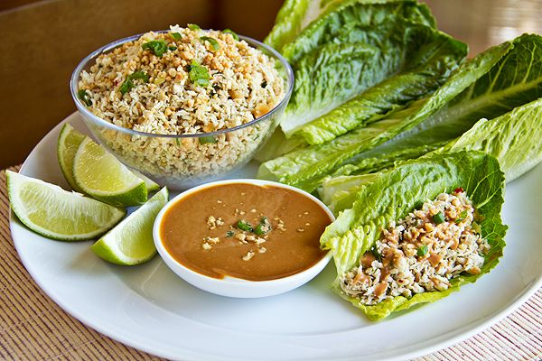 Thai-Style Peanut Chicken Lettuce WrapLettuce Wraps Peanut Thai, Thai Style, Peanut Chicken, Thai Styl Peanut, Dips Sauces, Sweets Savory, Chicken Lettuce Wraps, Savory Peanut, Peanut Dips