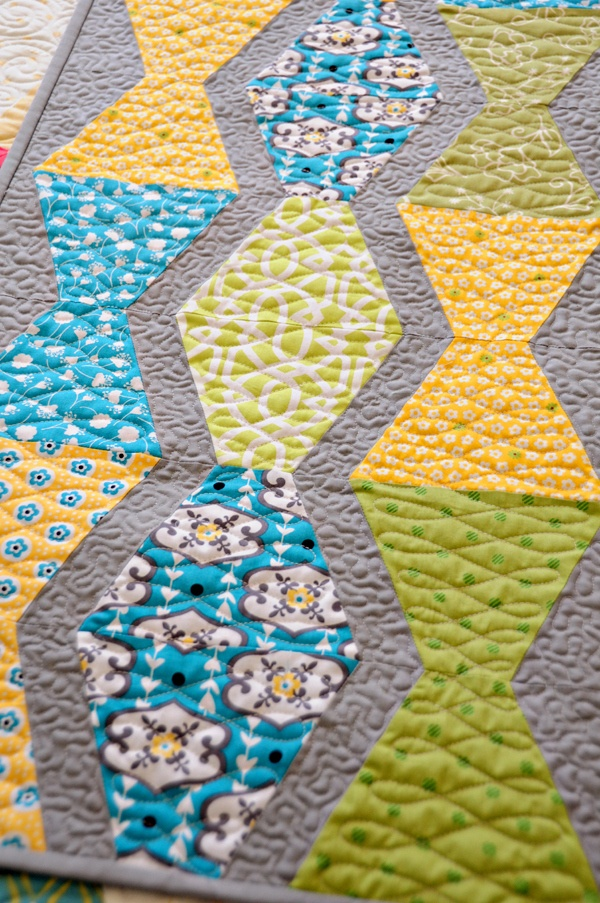 Love the idea for tumbler quilts and quilting from Anka's Treasures #quilt #quilting #tinlizzie18