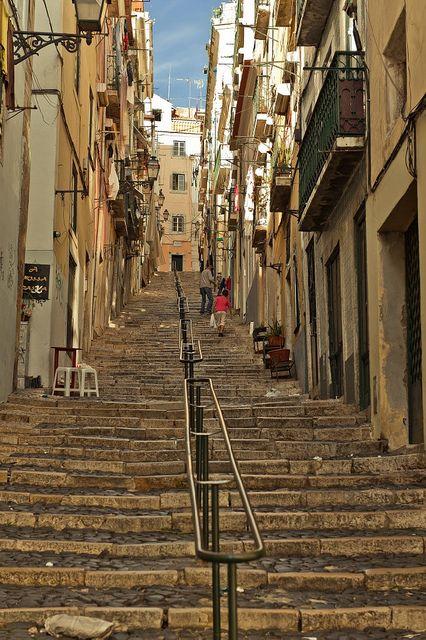 Lisboa e as suas muitas escadarias, cheias de histórias e historietas. stairs in Lisbon, Portugal