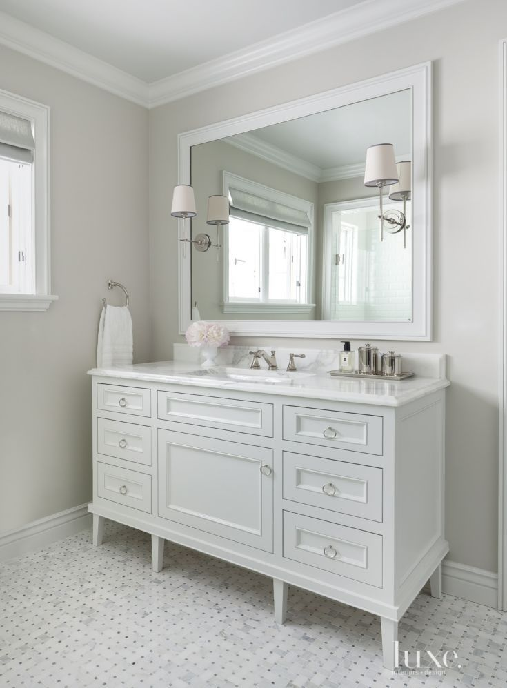Traditional White Guest Bath Vanity Bathroom Design