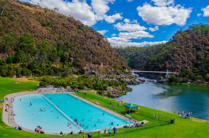 Launceston's famous Cataract Gorge and First Basin in Northern Tasmania Photo by Jewelszee.      Australia.com