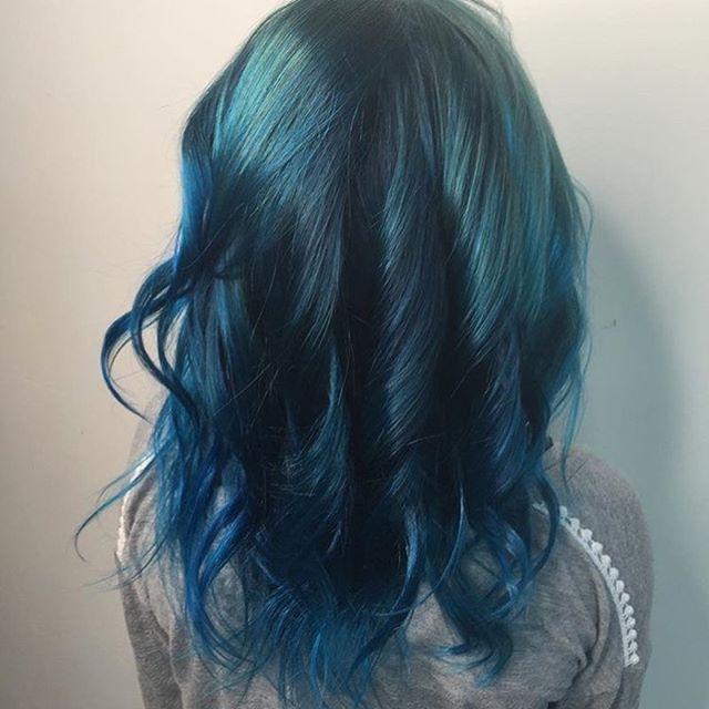 Ocean Blue for this little Mermaid 🐬  #kelowna #bluehair #hairjoi #joicointensity #mermaid #ocean #sea #beach #summer   @joicointensity   Hair @hair.by.amandajess