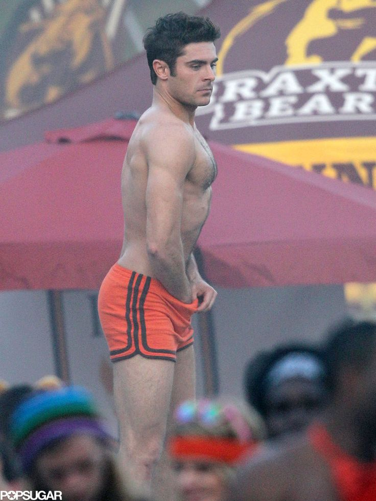 Zac Efron Grabbing His Bulge On Set Will Leave You In A -1223