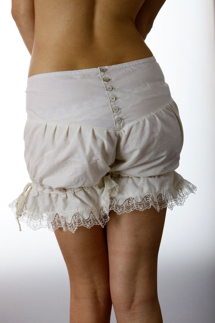 i want these bloomers  Google Image Result for http://img2.etsystatic.com/000/0/6181228/il_fullxfull.339749106.jpg
