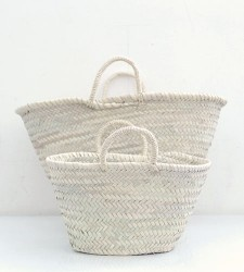 ...: Wicker Baskets, Marketing Baskets, Flowers Baskets, Beaches Bags, White Beaches, Laundry Baskets, Style File, French Marketing, White Baskets
