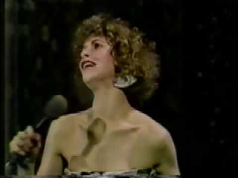 "Ellen Greene ""Suddenly Seymour"" Tonight Show - YouTube"