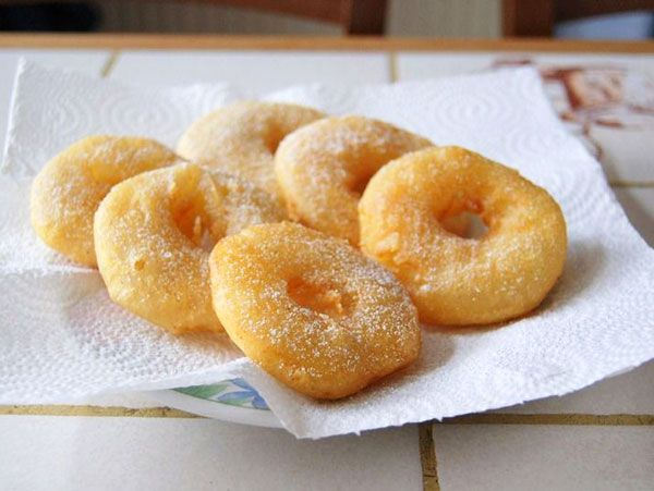 Whether you enjoy them as dessert or a quick snack on the go, these apple fritter rings are, flat out, ridiculously good! | eatwell101.com