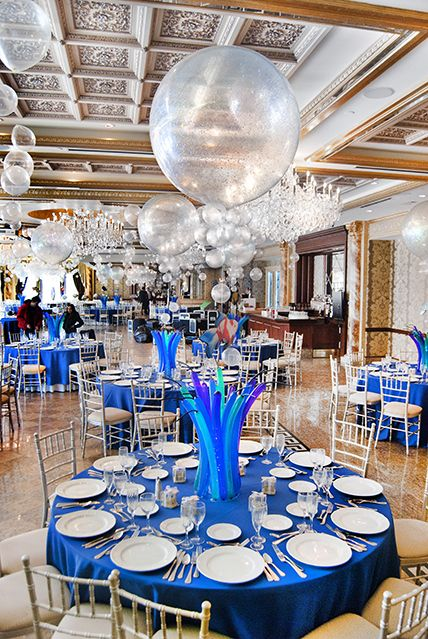 Underwater Bubble Balloon Centerpieces with Balloon Grass