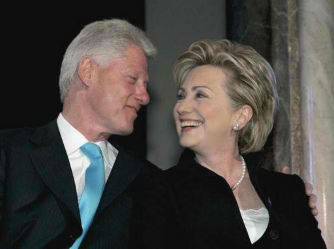 Сага о династији Клинтон - http://www.vaseljenska.com/wp-content/uploads/2015/08/bil-i-hilari.jpg  - http://www.vaseljenska.com/misljenja/saga-o-dinastiji-klinton/