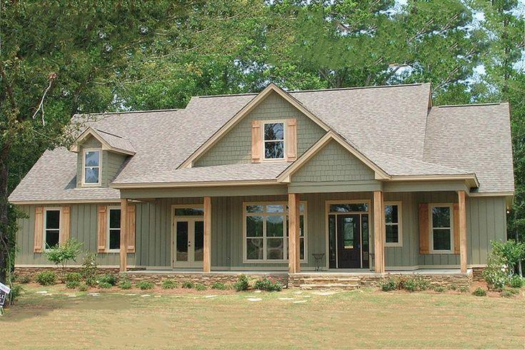 Farmhouse Style House Plan - 4 Beds 3 Baths 2565 Sq/Ft Plan #63-271 Exterior - Front Elevation - Houseplans.com