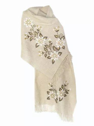 chalinas bordadas con motivos florales