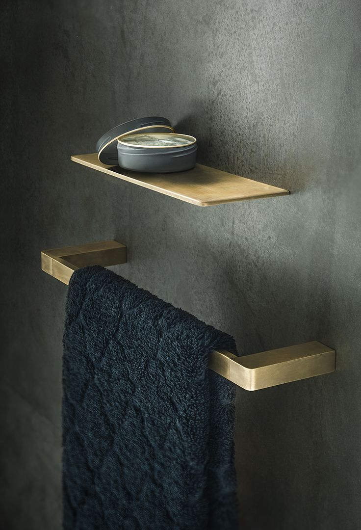 Beschrijving bewerken     Roger Seller's Natural Elements line - Eon Accessories in Burnished Brass