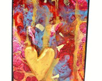 Questo originale e unico, uno di un gentile a mano mixed media collage ACEO è in una custodia protettiva in una cornice come cartolina dauguri. Questa bellissima piccola opera darte è perfetta per qualsiasi occasione, matrimonio, anniversario, compleanno o solo per dire che ti interessa. Ognuna delle mie carte di arte è un originale e due non sono uguali.  La scheda ACEO sono dipinti e collage su una base di carta acquerello. Si tratta di un originale, non una stampa. Allinterno della scheda…