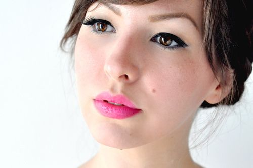 : Bright Pink Lipsticks, Cat Eye, Summer Makeup, Makeup Ideas, Makeup Eye, Makeup Hair, Lips Stained, Bright Lips, Lips Colors