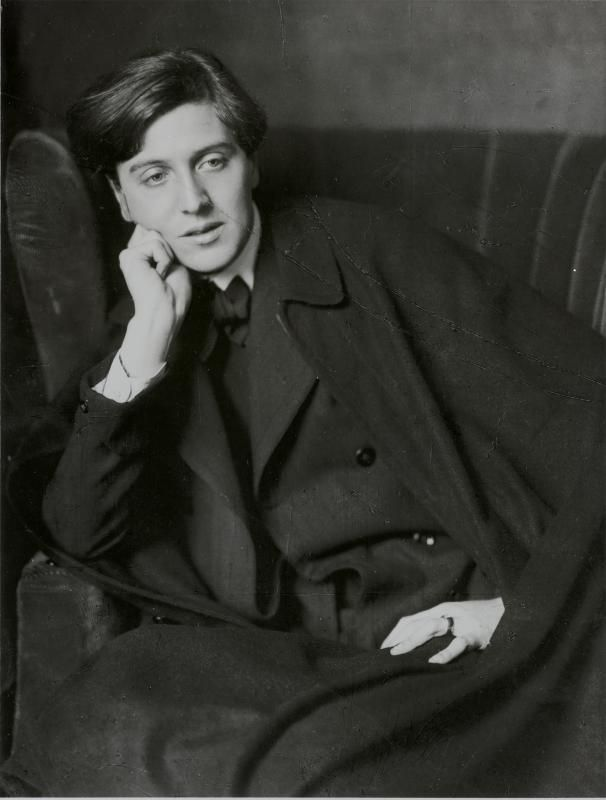 Composer Alban Berg, 1909        photos by Madame d'Ora    http://mydaguerreotypeboyfriend.tumblr.com/