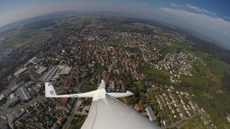 Bald steigen die Segelflieger wieder in die Lüfte. (Foto: Segelfliegergruppe) Markdorfer Segelflieger stehen kurz vor dem Saisonstart Schwäbische Zeitung Für die Markdorfer Segelfliegergruppe ist d…